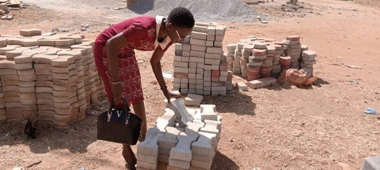 Burkina Faso-Entrepreneuriat : Rakiatou Zibaré, la femme du Btp qui défie les hommes !