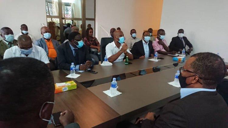 Côte d'Ivoire-Présidence de la Caf: le candidat Jacques Anouma reçu par Didier Drogba